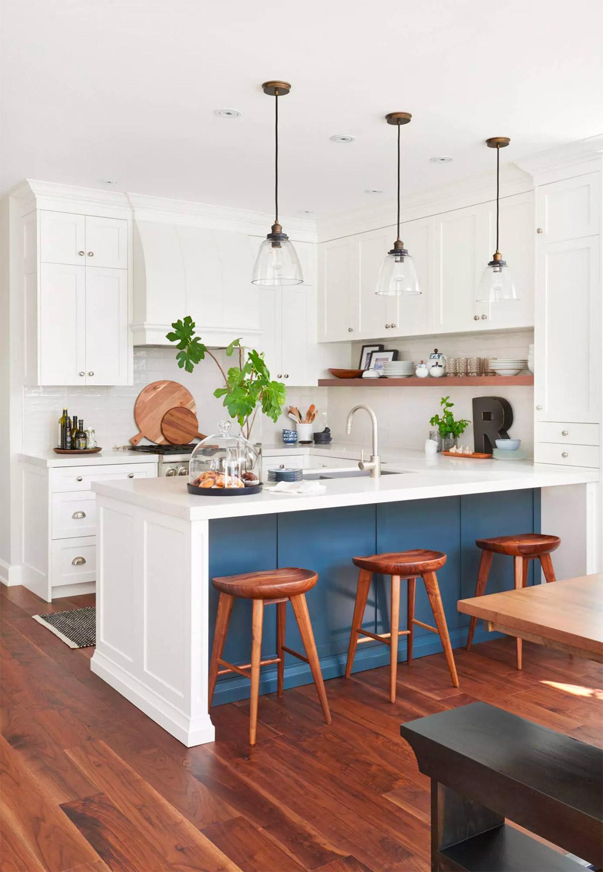 кухня в будинку фото